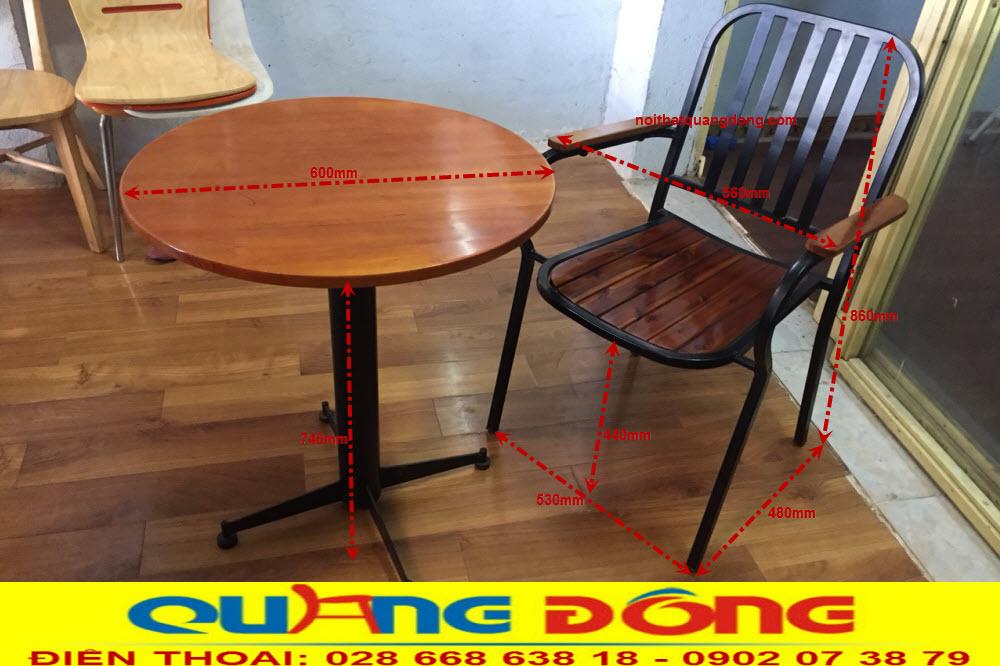 Thông số kỹ thuật, kích thước chuẩn bộ bàn ghế gỗ khung sắt QD-05. Cung cấp bởi Nội Thất Quang Đông
