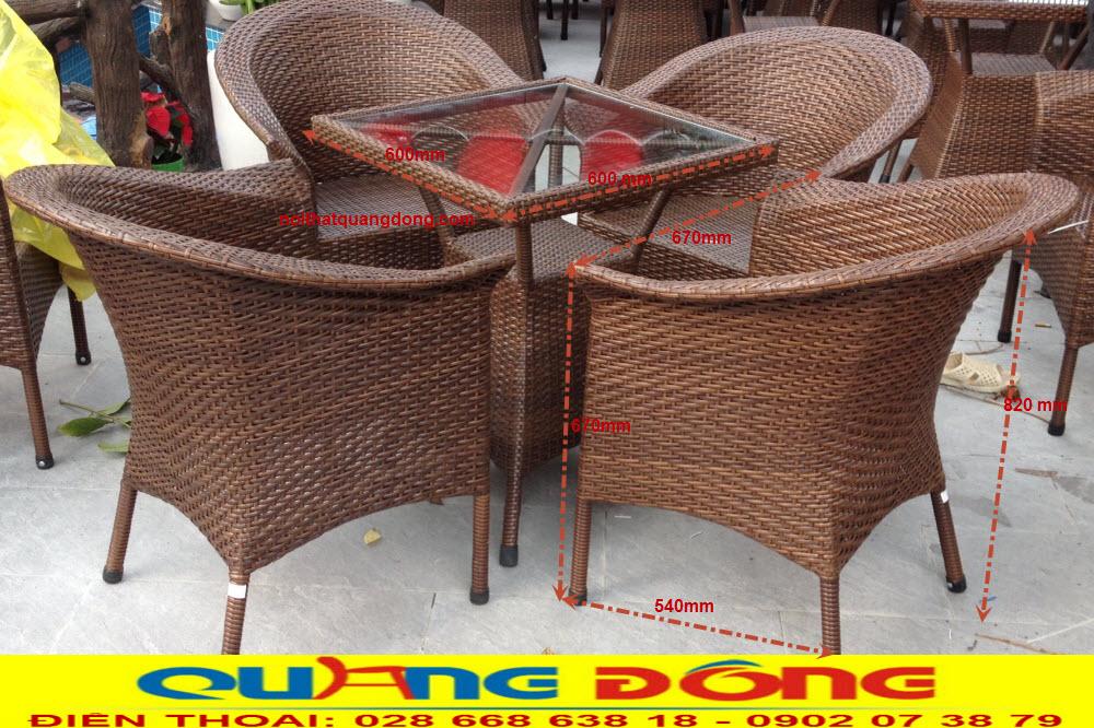 Bộ bàn ghế giả mây QD-074 gam màu nâu giả gỗ, sản phẩm dùng cho sân vườn ngoài trời quán cafe