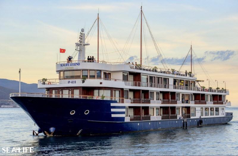Tàu du lịch sealife Cruises