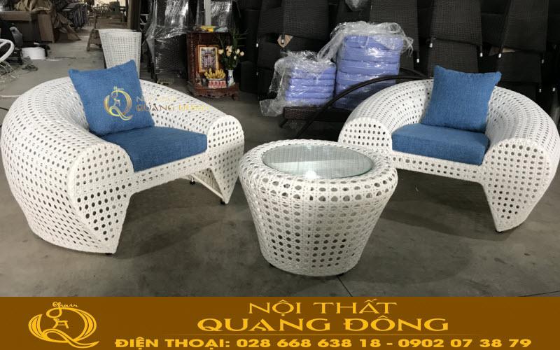 Mẫu bàn ghế giả mây QD-2025 được kiểm tra chất lượng và ghi hình tại Xưởng của công ty tnhh Nội THất Quang Đông