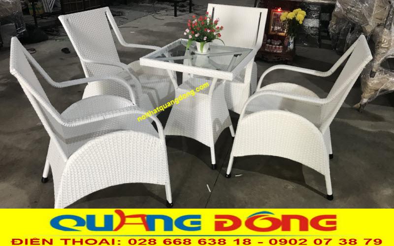 Mẫu ghế giả mây QD-272 gam màu trắng tinh khôi nổi bật, đẹp cho mọi không gian