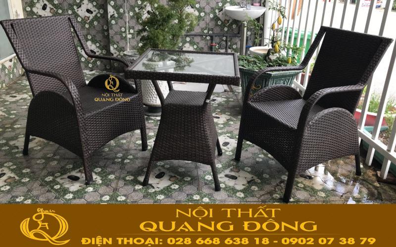Bộ bàn 2 ghế cho ban công sân vườn bằng nhựa giả mây