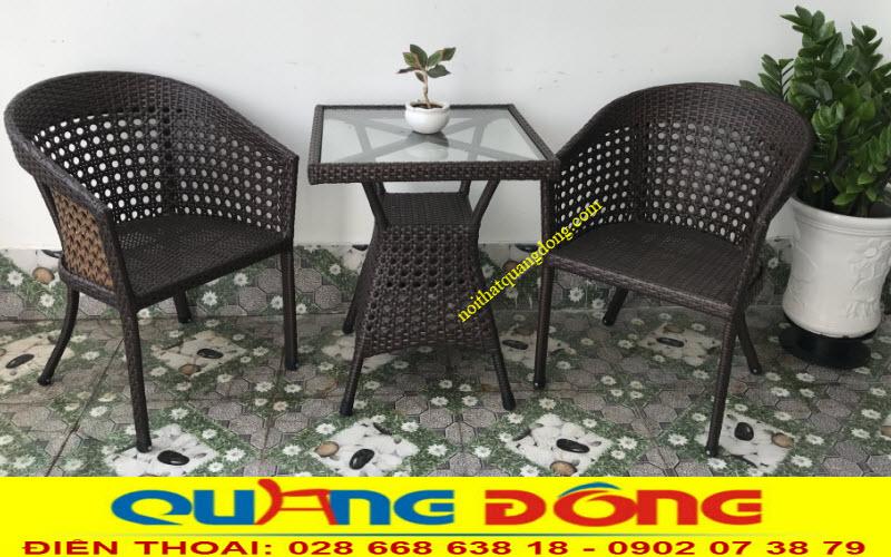 Mẫu bàn ghế cho ban công nhỏ gọn bằng nhựa giả mây đan thủ công