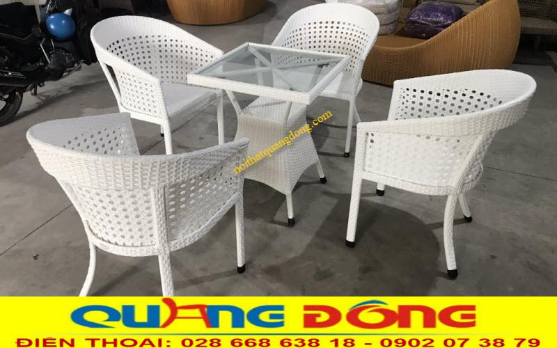Bộ bàn ghế giả mây QD-274 đan sợi mây nhựa màu trắng tinh khiết cho bạn thêm lựa chọn