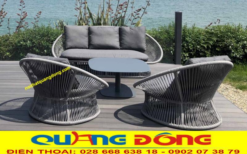 Bàn ghế cao cấp dùng cho ngoại thất sân vườn, mẫu ghế giả mây đan lát thủ công mỹ nghệ không chỉ đẹp mà rất có hồn