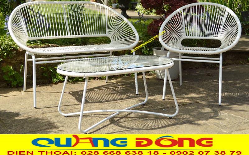Bàn ghế giả mây QD-287 đan sợi nhựa tròn bền đẹp, êm thoáng không bị ứ đọng nước giúp cho tuổi thọ rất cao