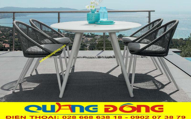 Mẫu ghế giả mây đan sợi dây dù bản tròn siêu bền, chuyên dùng cho ngoại thất sân vườn, khu vực ngoài trời