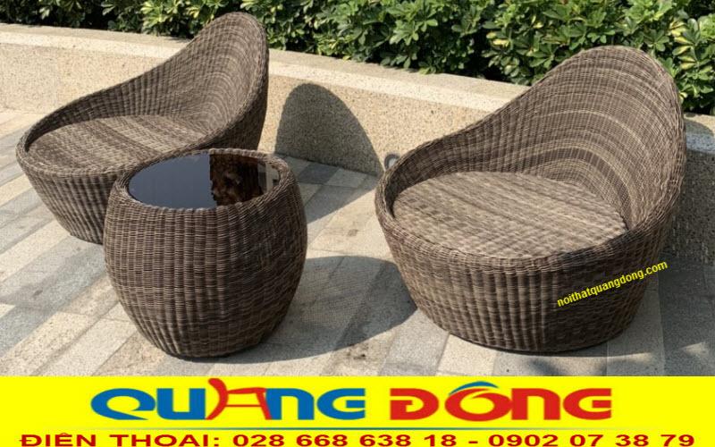 Bộ bàn ghế giả mây đan sợi nhựa tròn vô cùng tỷ mỷ công phu, dùng ngoài trời sân vườn