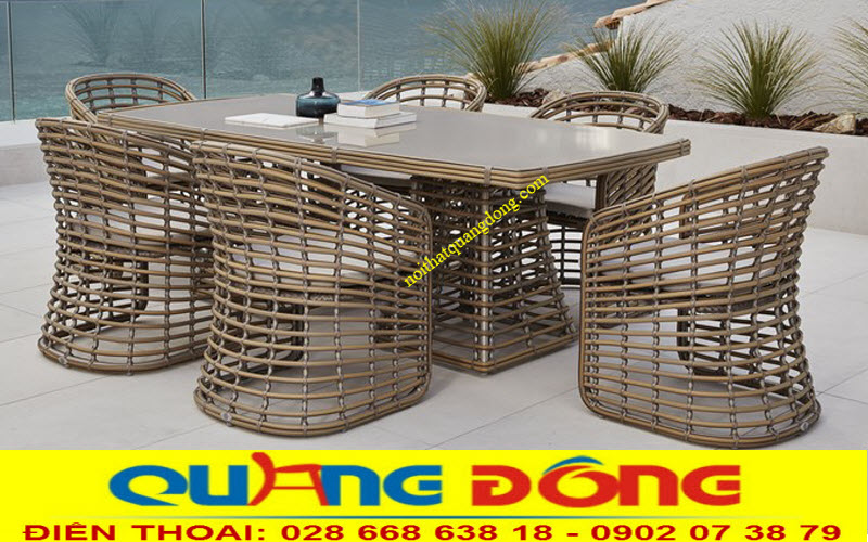 Bộ bàn 6 ghế và 1 bàn dài bằng nhựa giả mây thiết kế mới lạ đẹp mắt