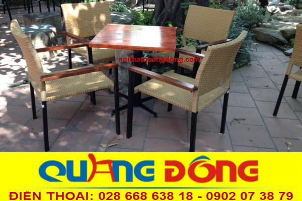 Mẫu ghế mây nhựa dùng cho quán cafe sân vườn, Bộ bàn ghế giả mây QD-301