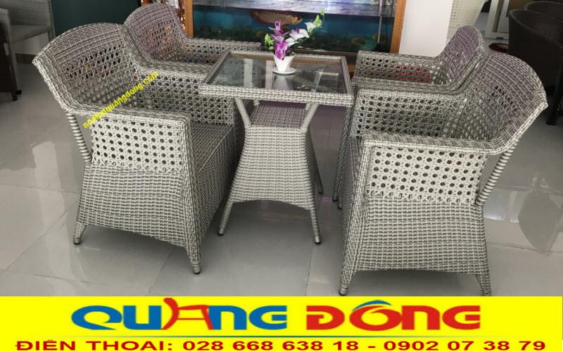 Mẫu bàn ghế giả mây đan mắt cáo bền đẹp, sản phẩm dùng cho khách sạn, khu resort