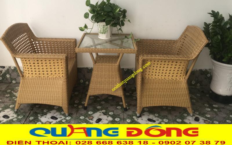 Mẫu bàn 2 ghế giả mây QD-303 phù hợp với không gian ngoài trời ban công khách sạn, căn hộ