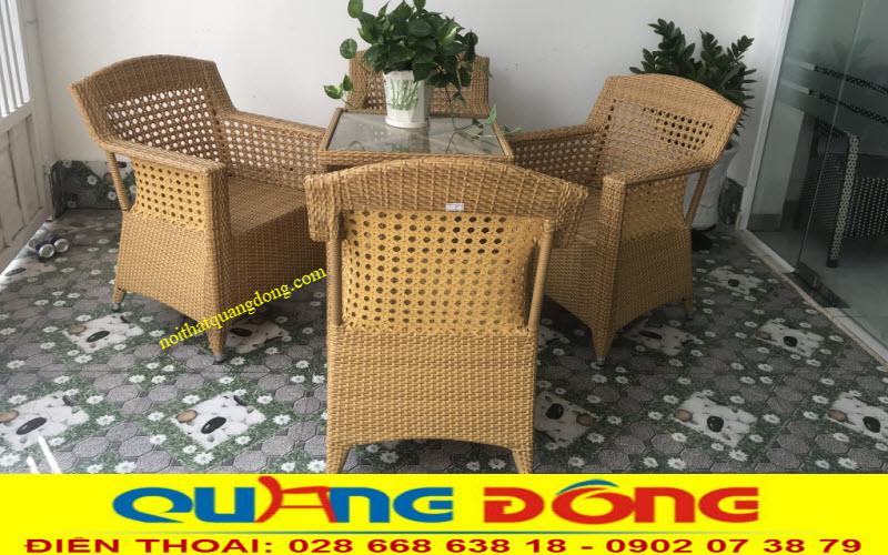 Bộ bàn ghế giả mây QD-303 kiểu dáng thiết kế fom lớn tạo chỗ ngồi thoải mái rất êm thoáng sản phẩm dùng cho sân vườn ngoài trời quán cafe khu resort