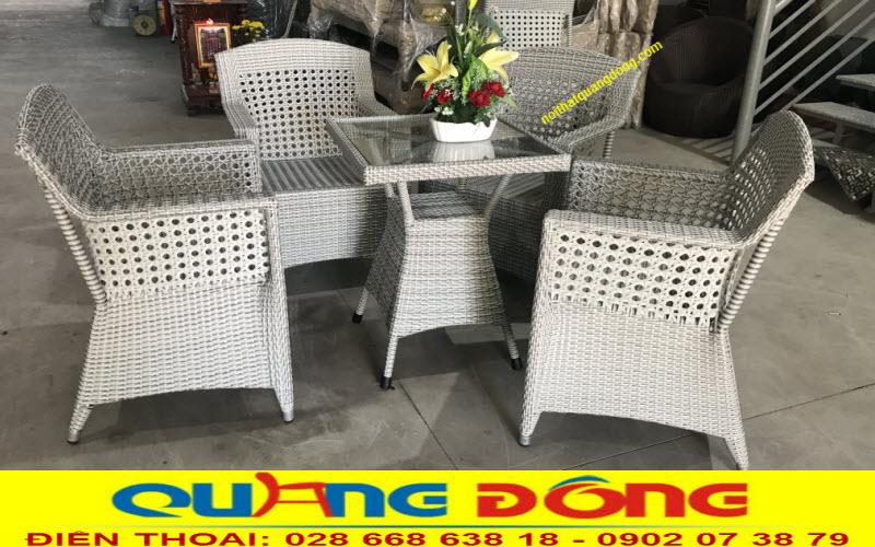 Mẫu ghế giả mây cao cấp phom ghế lớn kiểu dáng sang trọng, sản phẩm dùng cho cả nội và ngoại thất sân vườn
