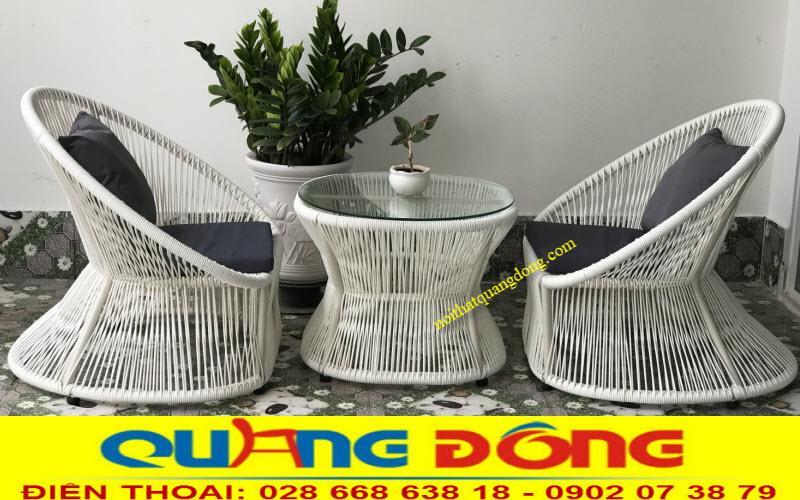 Bộ bàn ghế giả mây QD-307 tone màu trắng tinh khiết sang trọng tạo điểm nhấn đẹp cho ngoại thất