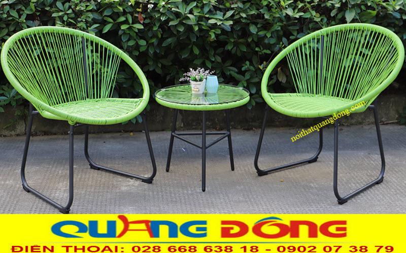 Bàn ghế dùng cho sân vườn ngoài trời bằng mây nhựa đan thủ công mỹ nghệ cao cấp