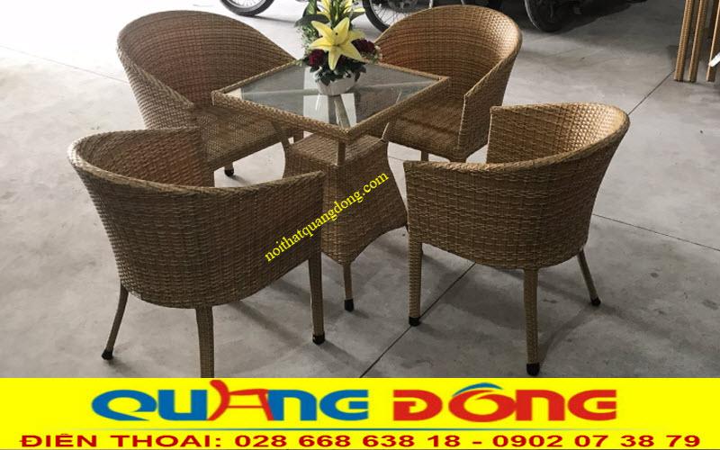 Mẫu bàn ghế dùng cho sân vườn ngoài trờì bằng nhựa giả mây chuyên dùng cho quán cafe