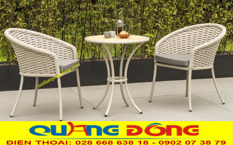 Thêm lựa chọn cho những không gian đặc biệt bạn có thể sử dụng 2 ghế và 1 bàn