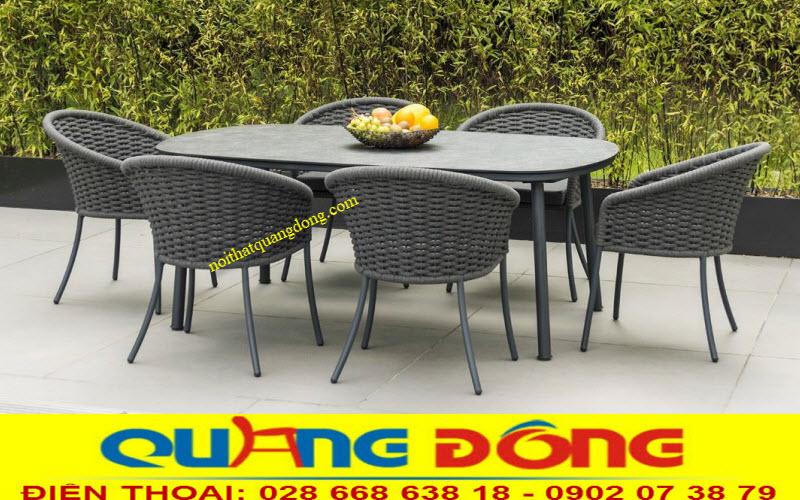 Bạn có sử dụng bộ bàn 6 hoặc 8 cho không gian sân vườn vừa uống trà ha bộ bàn ăn ngoài trời lý tưởng
