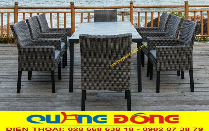 Bộ bàn ghế giả mây QD-313 sử dụng 8 ghế dùng cho sân vườn ngoài trời, làm bàn trà cafe, hay bộ bàn ăn lý tưởng