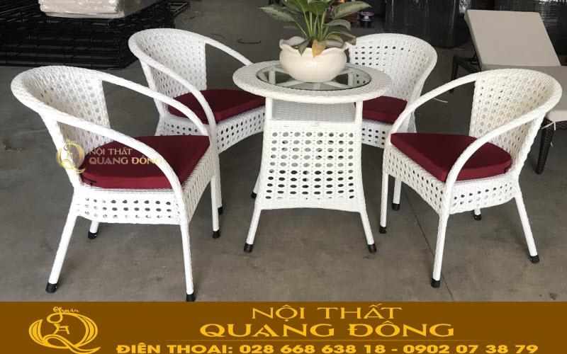 Bộ bàn ghế giả mây QD-325 sử dụng thêm nệm lót theo yêu cầu của khách hàng,