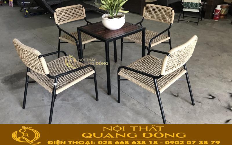 Mẫu bàn ghế giả mây đan sợi dây dù polyethene