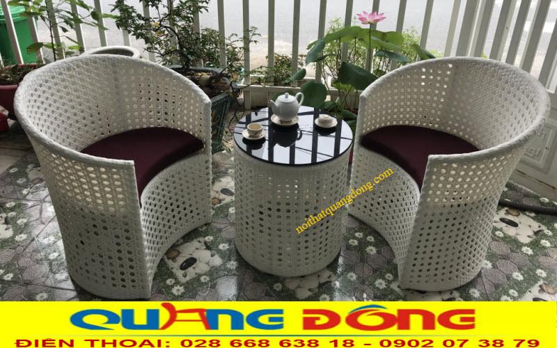 Bộ bàn ghế giả mây QD-344 gồm 2 ghế và 1 bàn tròn tuyệt đẹp cho ban công