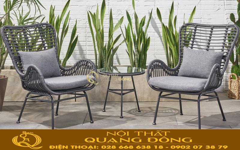 Bộ bàn ghế giả mây QD-356 được đan thủ công bằng sợi mây nhựa tròn 8 ly có hoạt chất kháng UV chịu mưa nắng ngoài trời