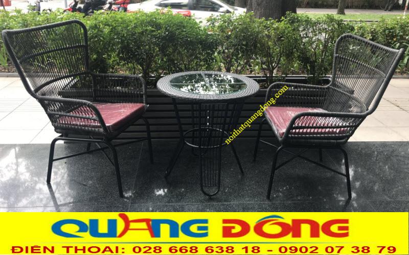 Bộ bàn ghế giả mây QD-387 sử dụng sợi mây nhựa tròn có hoạt chất kháng UV chịu mưa nắng chuyên dùng cho ngoài trời sân vườn