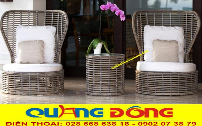 Mẫu ghế giả mây QD-394 được đan dây nhựa bán nguyệt