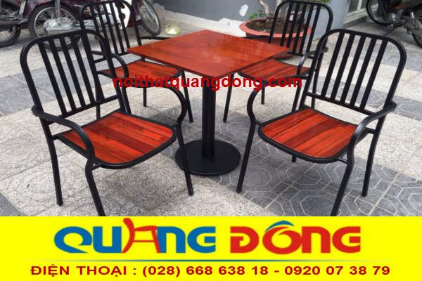 mẫu ghế gỗ khung sắt bền đẹp kiểu dáng lạ mắt, sản phẩm dùng cho quán cafe