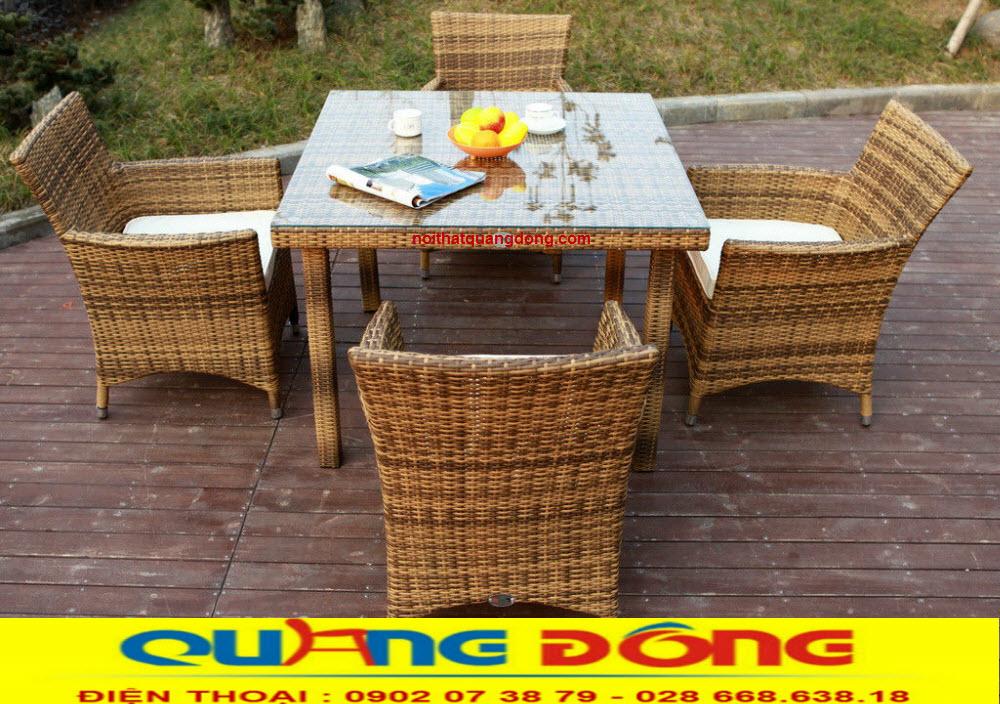 Mẫu bàn ghế chuyên dùng cho khôn gian sân vườn ngoài trời quán cafe khu resort, bộ bàn ghế giả mây QD-064
