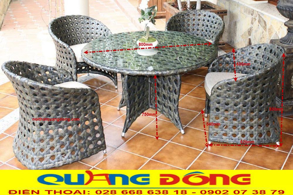 Mẫu ghế giả mây với kiểu dáng thiết kế hoàn toàn mới lạ đẹp không một vết tỳ, sản xuất bởi Nội Thất Quang Đông