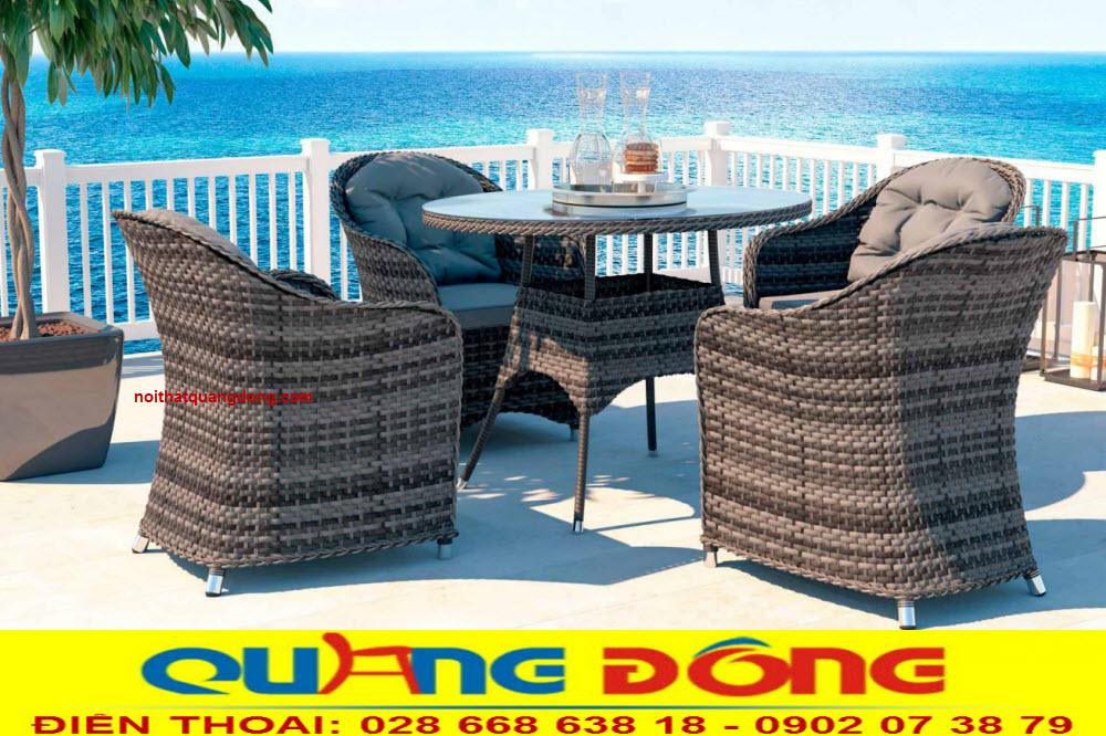 Những mẫu bàn ghế ngoài trời sân vườn đẹp dùng cho quán cafe, khu resort