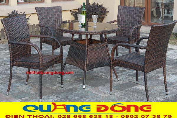 Bàn ghế giả mây QD-2039 kiểu dáng thanh gọn, có thể xếp chồng tiện lợi, sản phẩm dùng cho ngoại thất sân vườn