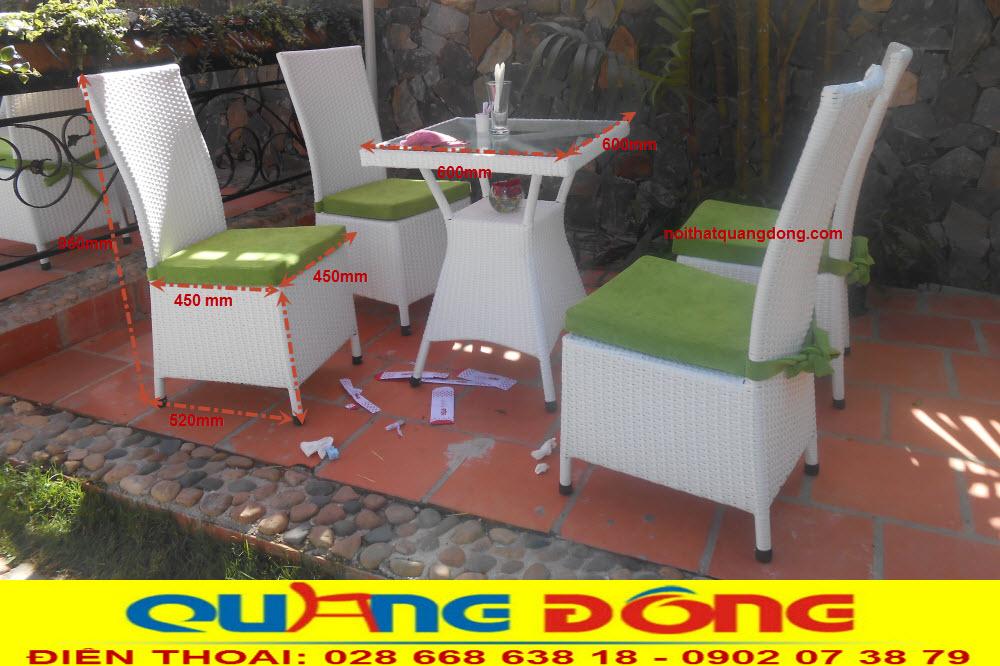 Nếu không gian bạn nhỏ khiêm tốn thì mẫu bàn ghế giả mây QD-209 màu trắng rất phù hợp