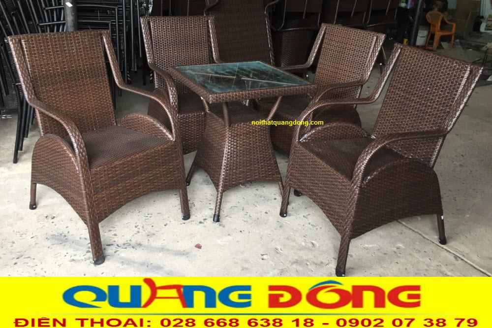 Bàn ghế giả mây QD-272 màu nâu giả gỗ hình ảnh ghi tại xưởng Nội Thất Quang Đông