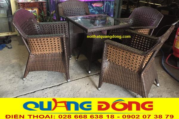 Bàn ghế dùng ngoài trời sân vườn, bộ bàn ghế giả mây QD-303