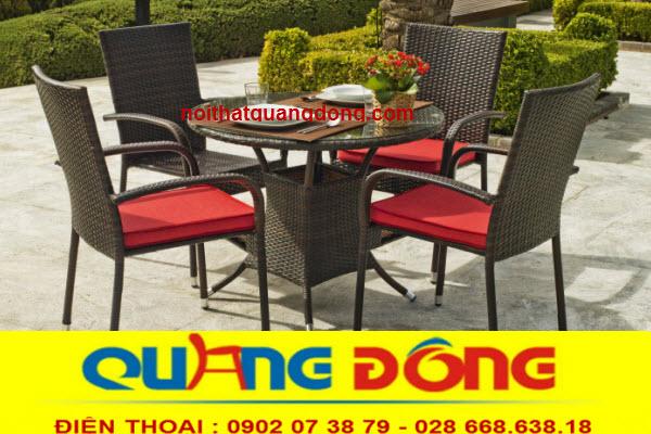 Bàn ghế cho quán cafe sân vườn bằng nhựa giả mây với giá rẻ bình dân nhưng vẫn sang trọng và đảm bảo về chất lượng.