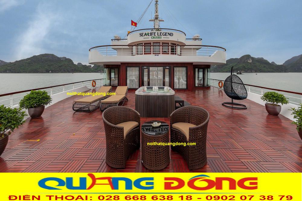 Bàn ghế giả mây QD-344 và mẫu Ghế nằm hồ bơi QD-563 Được Du thuyền sealife sử dụng ngoài trời