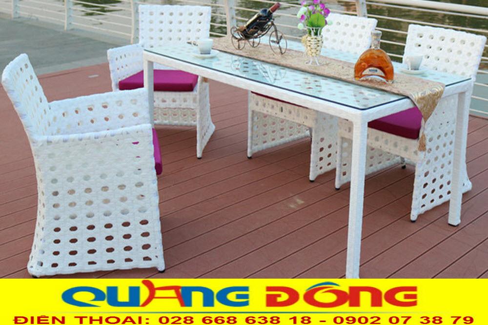 Bộ bàn ghế giả mây QD-364 màu trắng phối hợp nệm màu tím tạo điểm nhấn đẹp