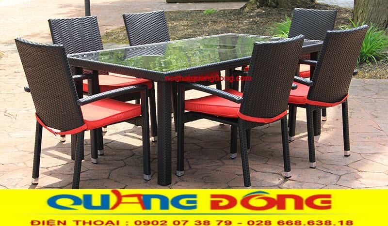 Bàn ghế giả mây cho sân vườn vườn ngoài trời rất tiện lợi, có thể là bộ bàn ghế uống trà hay bộ bàn ăn 6 ghế -12 ghế cho gia đình