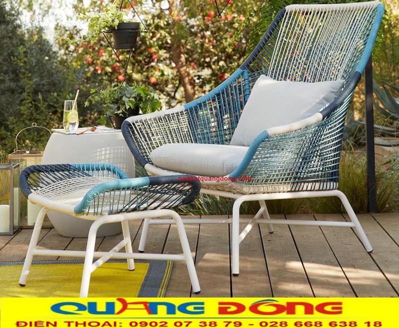 Để thêm sự lựa chọn cũng là tạo cho chiếc ghế giả mây QD-386 thêm phần đẹp mắt chúng tôi đã phối gam màu xanh và trắng thêm đẹp mắt và ấn tượng