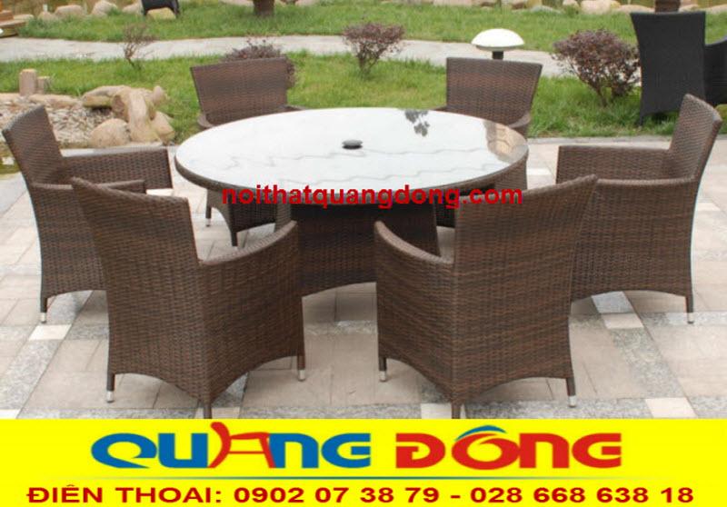 Bộ Bàn ghế ngoài trời sân vườn gồm 6 ghế và 1 bàn tròn bằng nhựa giả mây mã sản phẩm QD-393