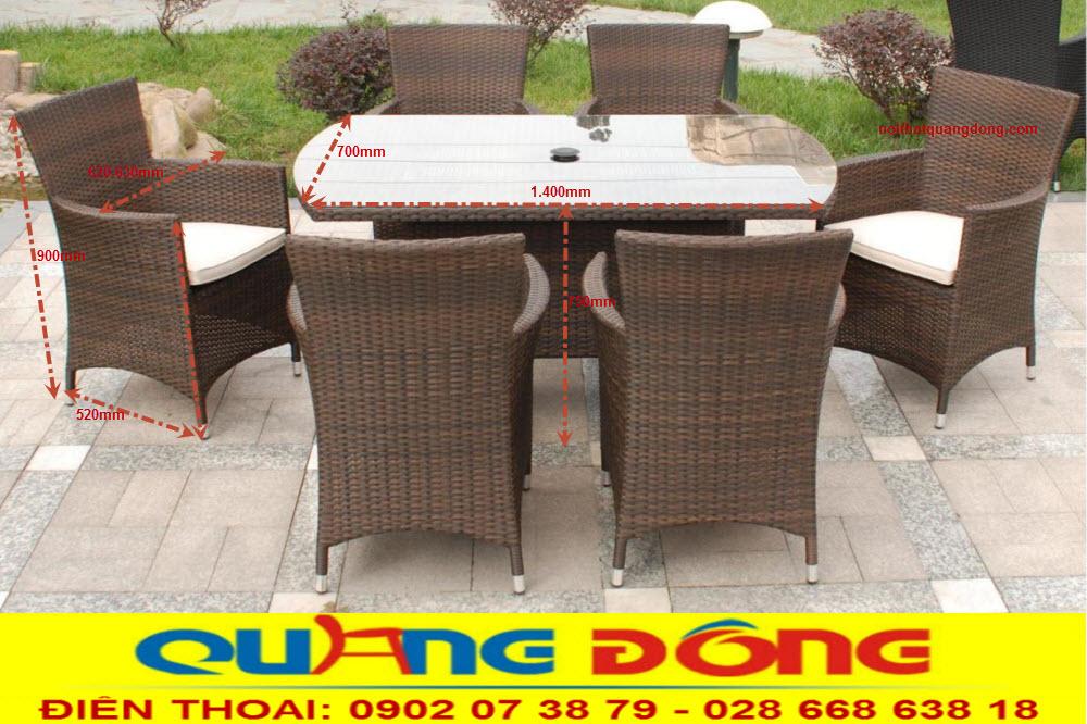 Bàn ghế ngoài trời giải pháp tuyệt vời cho việc ngồi nghỉ ngơi uống trà cafe, hoặc bạn cũng có thể làm bộ bàn ăn gia đình vào ngày nghỉ cuối tuần ở sân vườn, bộ bàn ghế giả mây QD-393