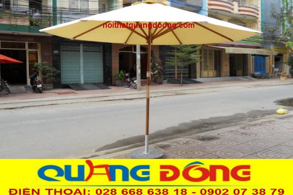 Mẫu ô dù đúng tâm thân bằng gỗ đẹp cho những quán cafe phong cách cổ điển
