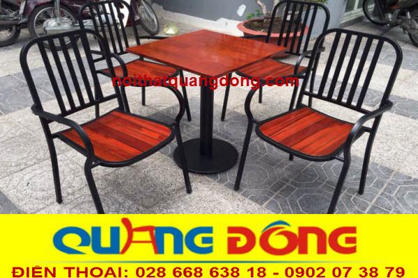 Mẫu ghế gox khung sắt cho quán cafe sân vườn,Bộ bàn ghế gỗ khung sắt QD-05