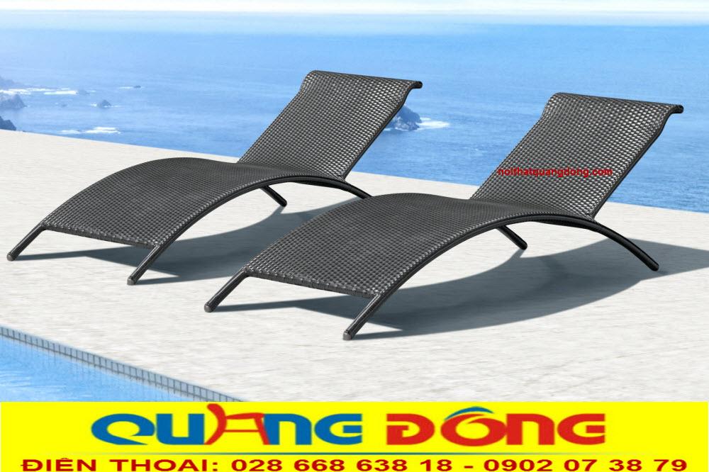 Mẫu ghế nằm hồ bơi QD-1233 thanh mảnh mang nét đẹp mộc mạc đơn giản mà sang trọng, là mẫu giường tắm nắng hot hiện nay