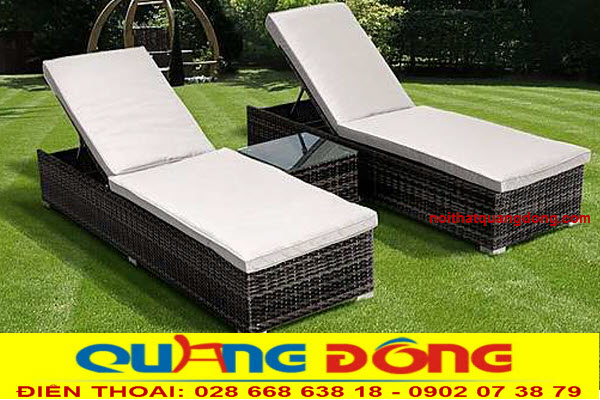 Mẫu giường tắm nắng cho bể bơi khu resort, khách sạn... Mẫu ghế hồ bơi QD-1235  gam màu xám tự nhiên