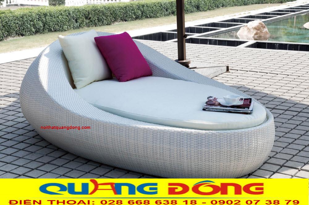 Mẫu ghế nằm hồ bơi QD-1239 với thiết kế vô cùng độc đáo, mói lạ tạo cho không gian ngoại thất khu vực bể bơi thêm sống động, là mẫu giường tắm nắng tuyệt vời cho khách sạn, khu resort